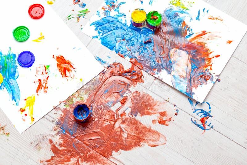 Fingerfärger med flera färger Barn Preschool royaltyfri foto