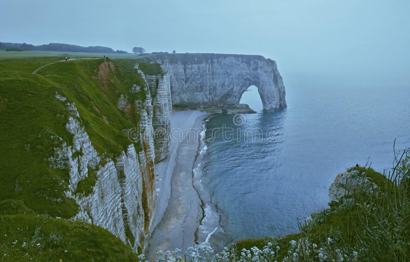 Fingra handlaget vattnet på kust royaltyfri foto