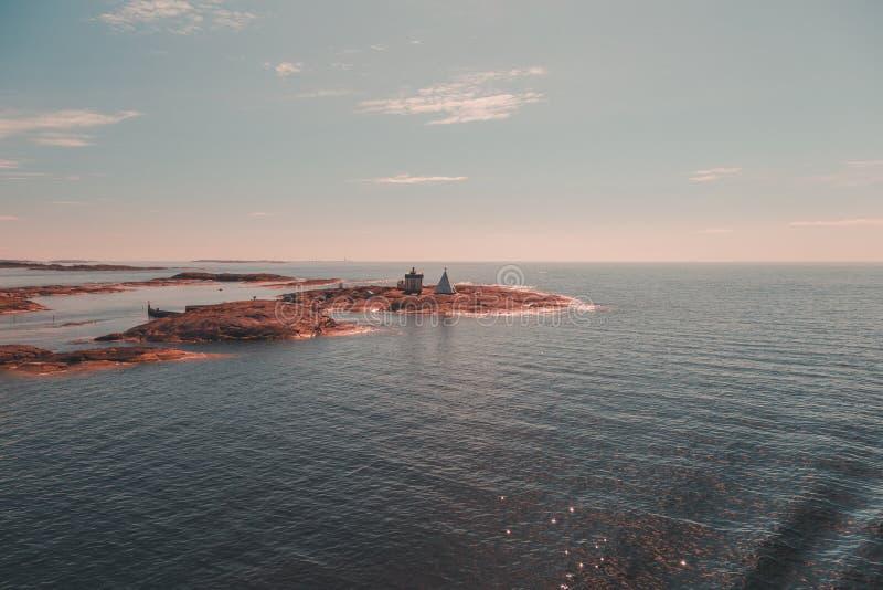 Finlandia Aland, Mariehamn exterior é a estação piloto velha Kobba Klintar Agora os dias lá são um museu na ilha imagens de stock royalty free