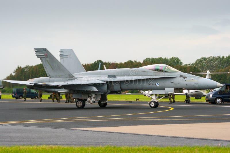 Finlandssvenskt flygplan för jaktflygplan för flygvapenBoeing F-18 bålgeting royaltyfri fotografi