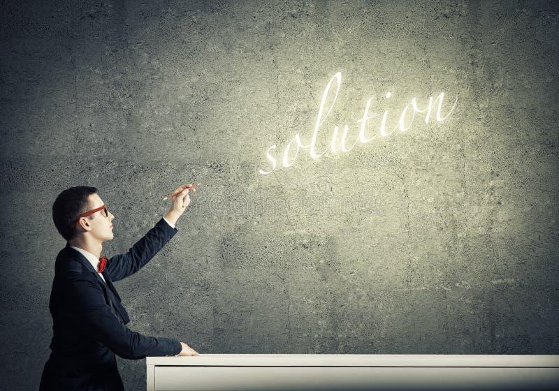 finna lösningen arkivfoton