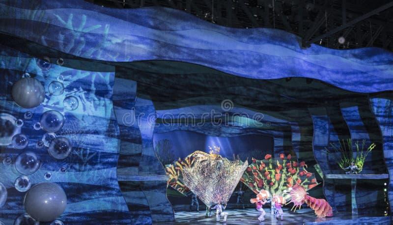 Finna Nemo - musikalen royaltyfri fotografi