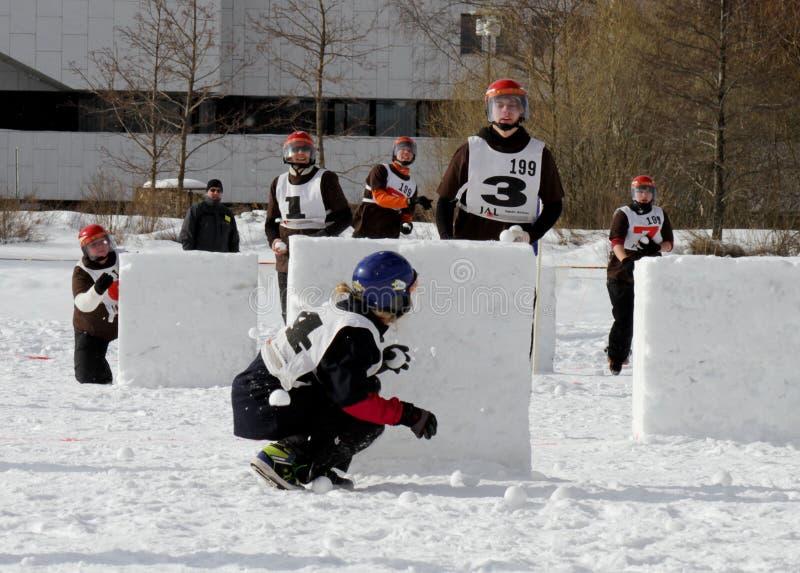 Finnische Meisterschaften 2010 des Yukigassen Schneeballs lizenzfreies stockbild