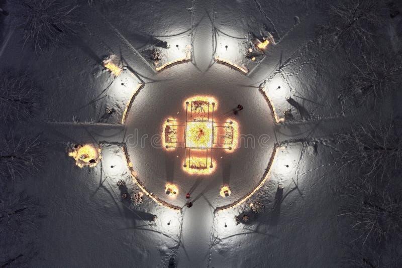 Finnischer Kirchhof in der Heiligen Nacht stockfotos