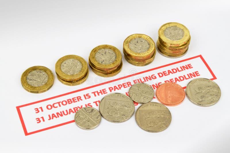 Fins do prazo britânicos da declaração de rendimentos imagens de stock royalty free