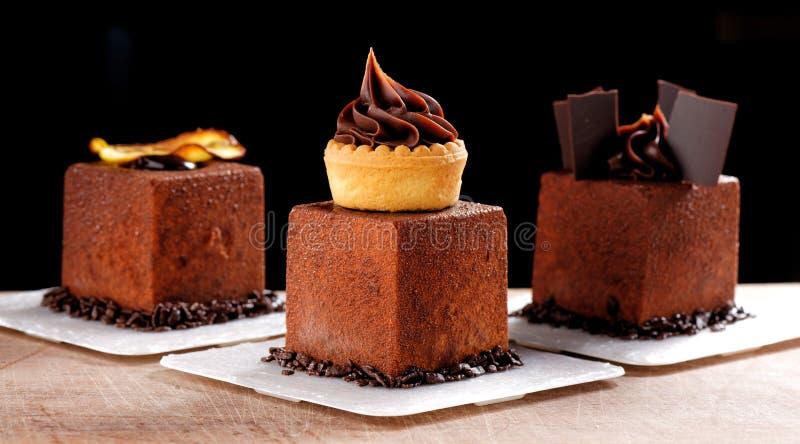 Fint äta middag, fransk mörk chokladgourmetmignon arkivfoton