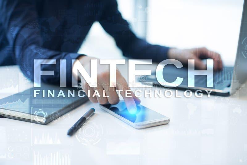 Fintech Pieniężny technologia tekst na wirtualnym ekranie Biznesu, interneta i technologii pojęcie, zdjęcie stock