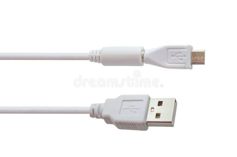 Fio branco USB micro USB isolado no fundo branco O trajeto selecionado imagem de stock