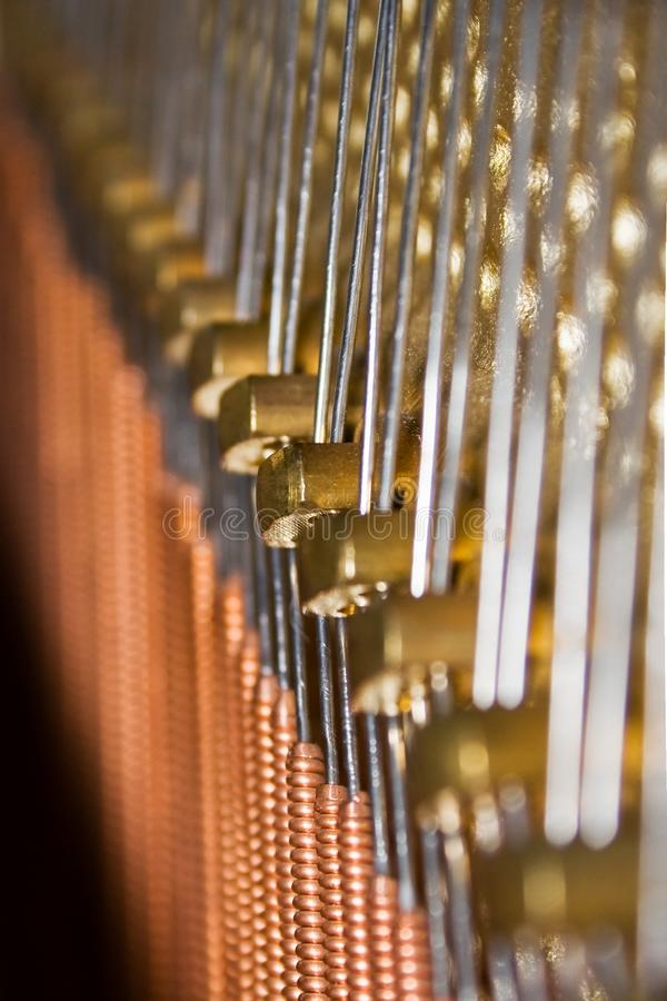 Fio de piano - vertical foto de stock