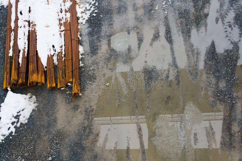 Fio oxidado como uma textura de barras de ferro da bobina do metal foto de stock royalty free