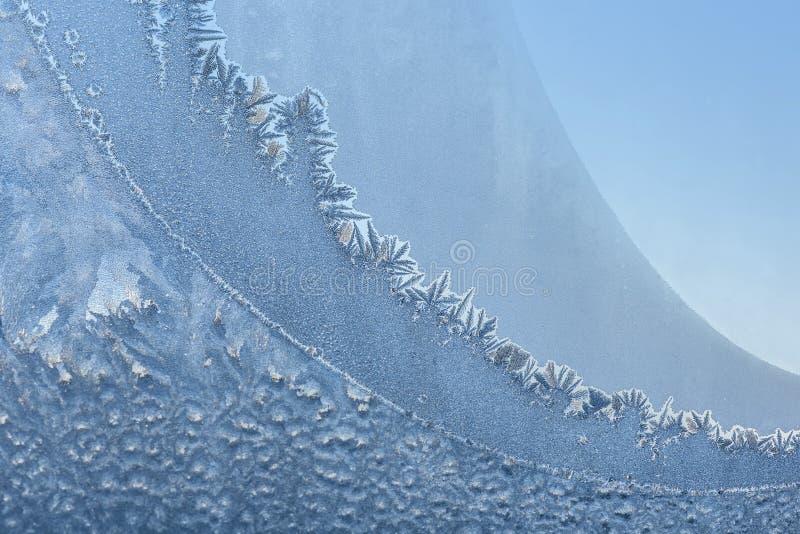 Fiocchi di neve di brina della finestra del modello del gelo fotografie stock