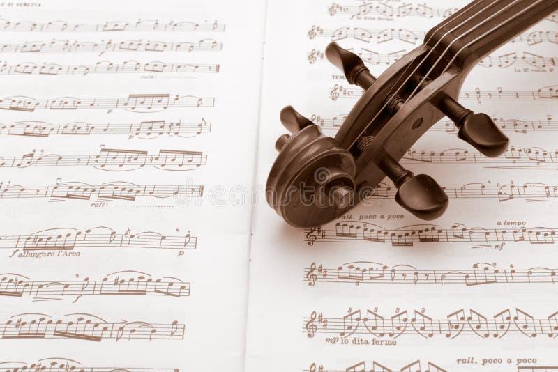 fiol för tappning för ställning för musikhals vilande fotografering för bildbyråer