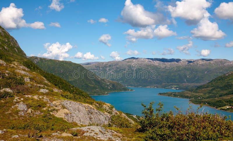 Fiord bonito norueguês foto de stock royalty free