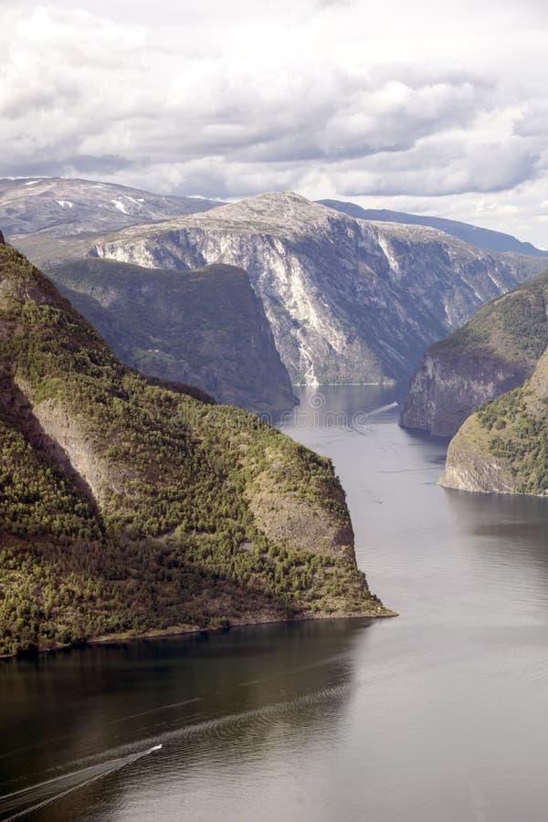 Fiordo en Noruega meridional imagenes de archivo