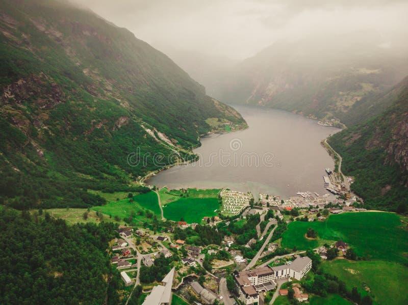 Fiordo Geirangerfjord en el día nublado Noruega fotos de archivo libres de regalías