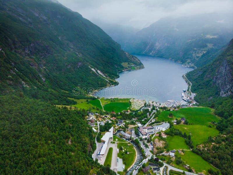 Fiordo Geirangerfjord en el día nublado Noruega imágenes de archivo libres de regalías