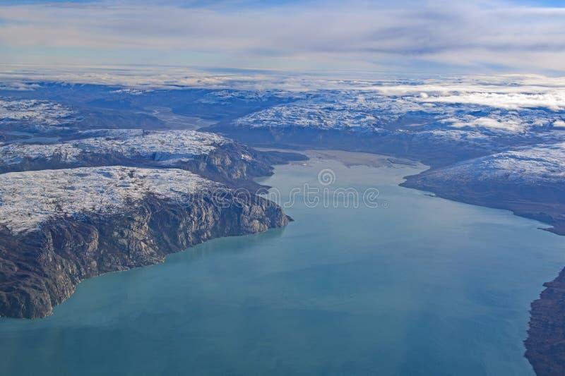 Fiordos coloridos en Groenlandia occidental fotografía de archivo