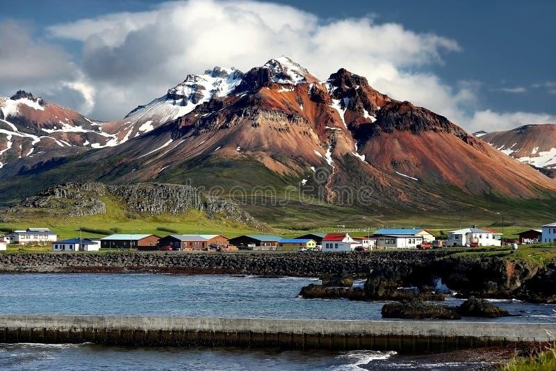 Fiordos del este en Islandia fotos de archivo