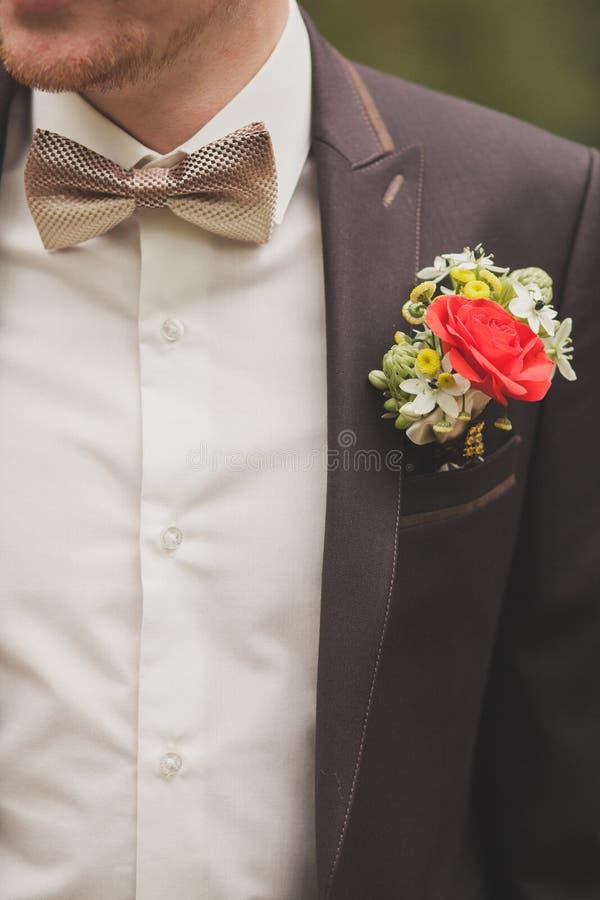 Fiore dell'occhiello dello sposo fotografia stock