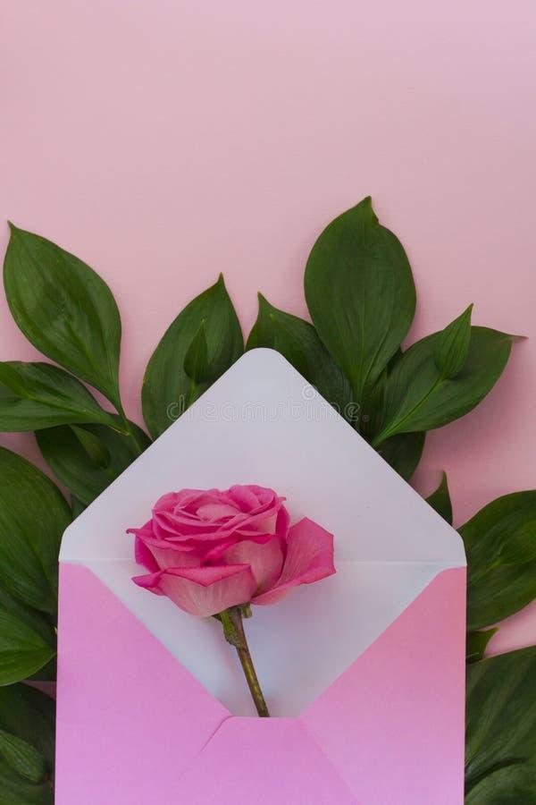 Fiori Bianchi 8 Lettere.Fiore Della Rosa Di Rosa Come Regalo Concetto Di Celebrazione