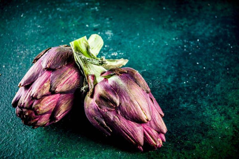 fiore organico fresco del carciofo fotografie stock libere da diritti