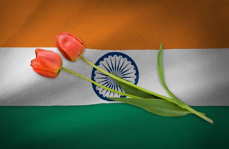 fiori festivi sullo sfondo della bandiera dell'India fotografie stock