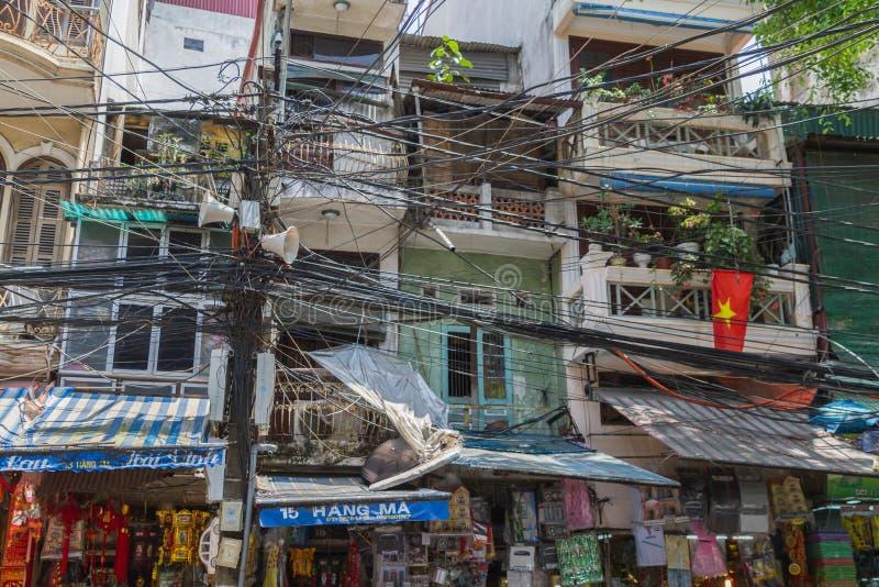 Fios de telefone em Vietname fotografia de stock royalty free