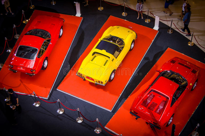 Fira 25 år av Ferrari i Thailand royaltyfri foto