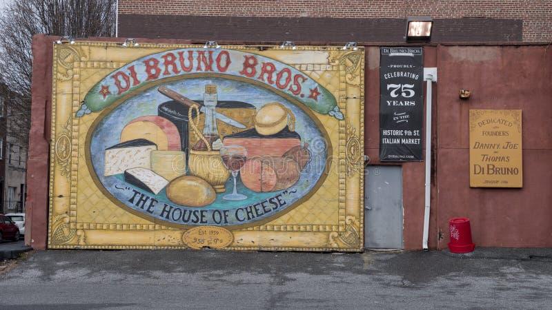 Fira 75 år, Di Bruno Bros Huset av ost, italiensk marknad för historisk 9th gata, Philadelphia royaltyfria foton