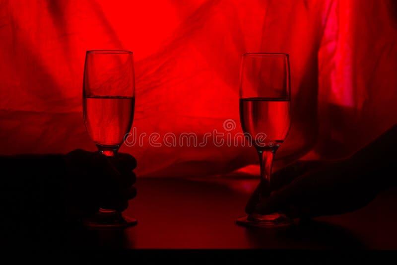 Fira bröllop eller valentin med champagne arkivbilder
