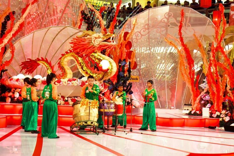 fira den nya kapaciteten för den kinesiska valsen till året royaltyfri foto
