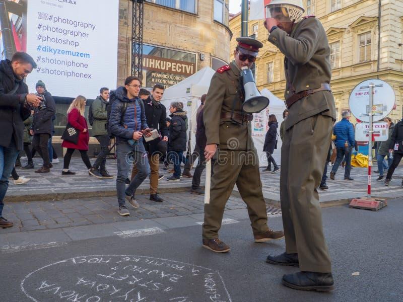 Fira den 29th årsdagen av sammetrevolutionen i Prague arkivbilder