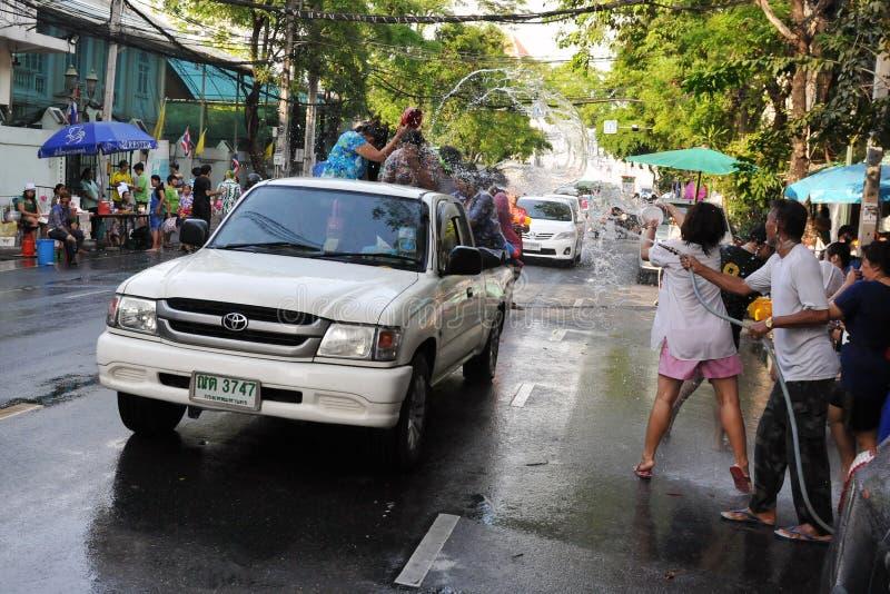 fira det thai året för nya revellers royaltyfri bild