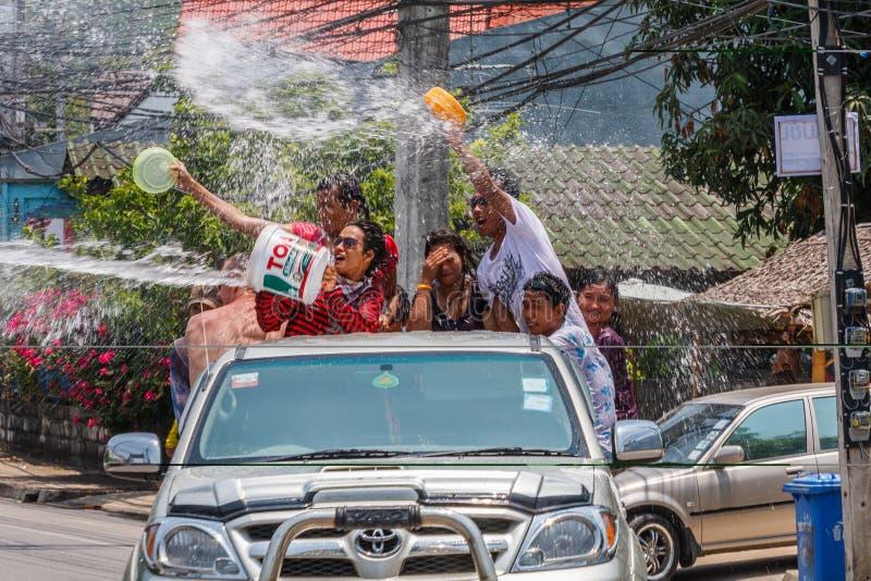 Fira Songkran royaltyfria foton