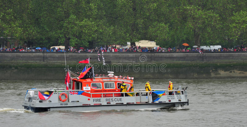 Download Fire Boat Diamond Jubilee Pageant Editorial Photography - Image: 25111392
