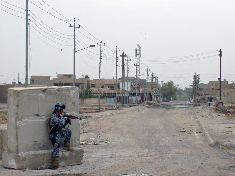 Firefight Bagdad Irak 07 della polizia nazionale immagine stock
