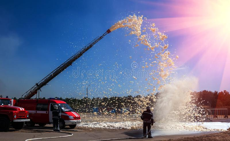 Fire Fighting Demonstration at Fly Southern – Flysouthern |Fire Figher Demonstration