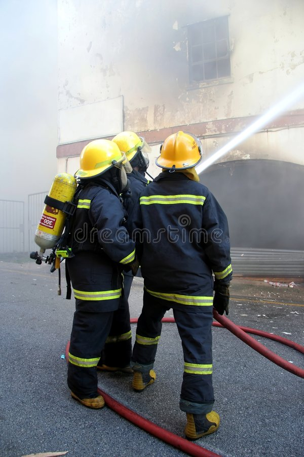 Free Firemen Fighting Fire Royalty Free Stock Photo - 5997155