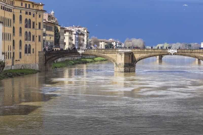 FIRENZE, ITALIA - 7 MARZO: Ponte di Ponte Santa Trinita sopra fotografie stock libere da diritti
