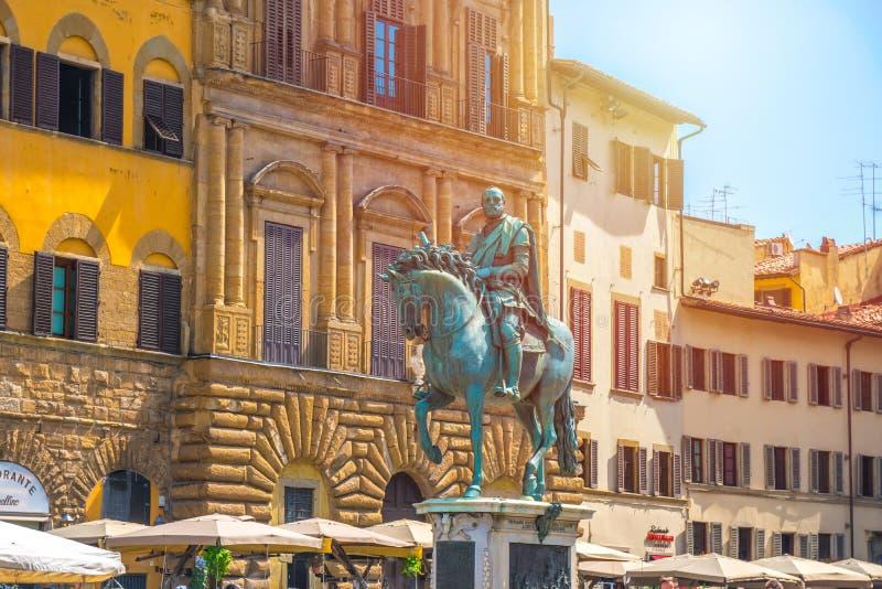 Firenze, Italia - 24 08 2018: Statua equestre di Cosimo I de Me fotografia stock