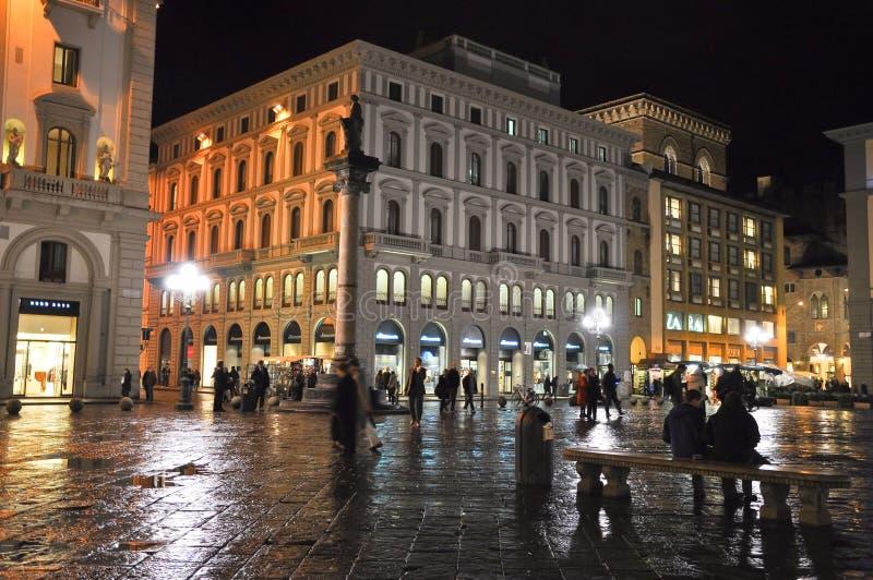 FIRENZE 10 NOVEMBRE: Della Repubblica della piazza alla notte novembre 10,2010 a Firenze, Italia. fotografie stock libere da diritti
