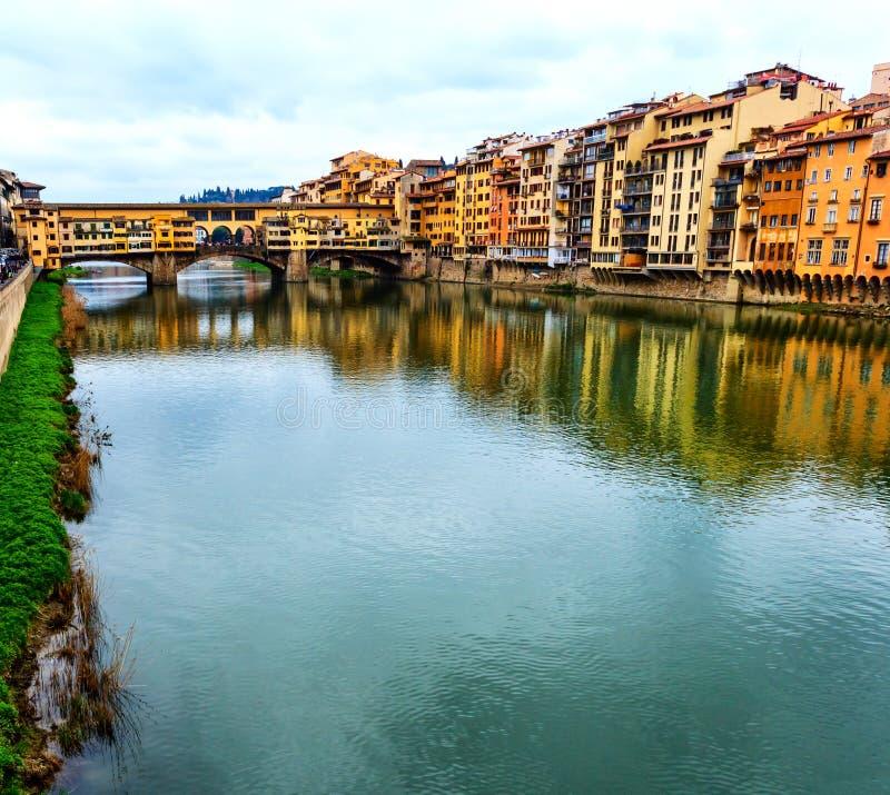 Firenze sulle banche di Arno, Italia fotografia stock
