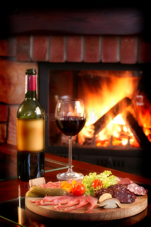 Free Fireplace And Red Wine Royalty Free Stock Images - 1728139