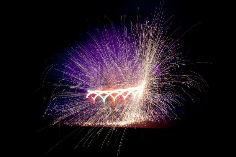 Download Fireshow stock afbeelding. Afbeelding bestaande uit dans - 29509081