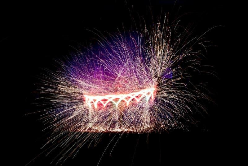 Download Fireshow stock afbeelding. Afbeelding bestaande uit hitte - 29509143
