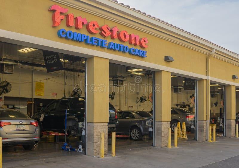 Firestone в Фениксе, Аризоне, США стоковая фотография rf