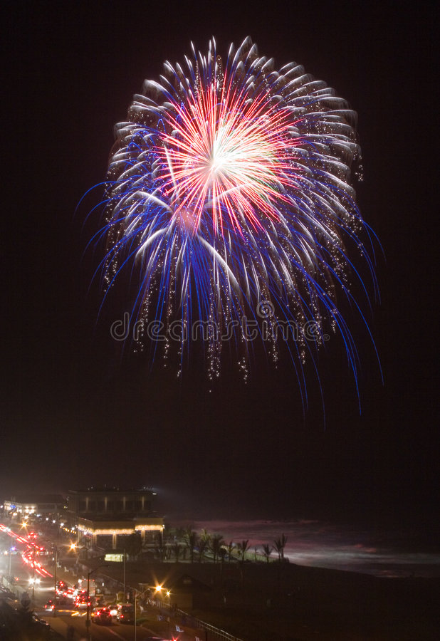 firework ocean over στοκ φωτογραφίες με δικαίωμα ελεύθερης χρήσης