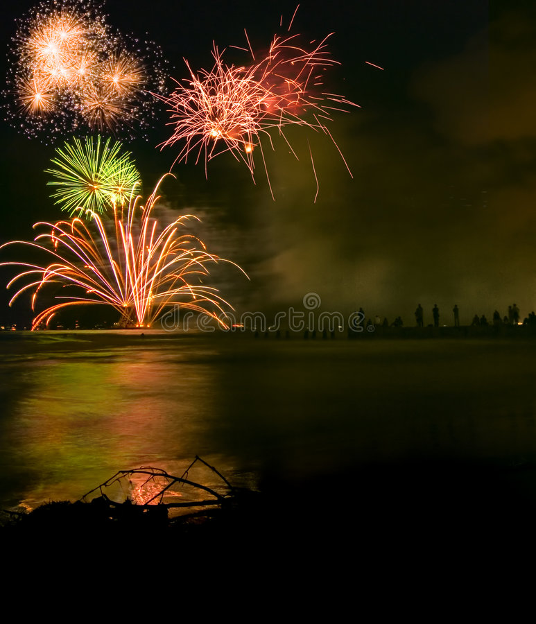 Free Fireworks Display Over Sea Royalty Free Stock Photos - 797108