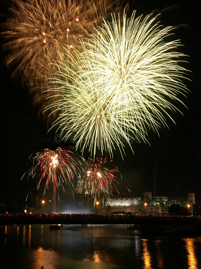 Free Fireworks Over Wawel Castle In Krakow Royalty Free Stock Photos - 161528