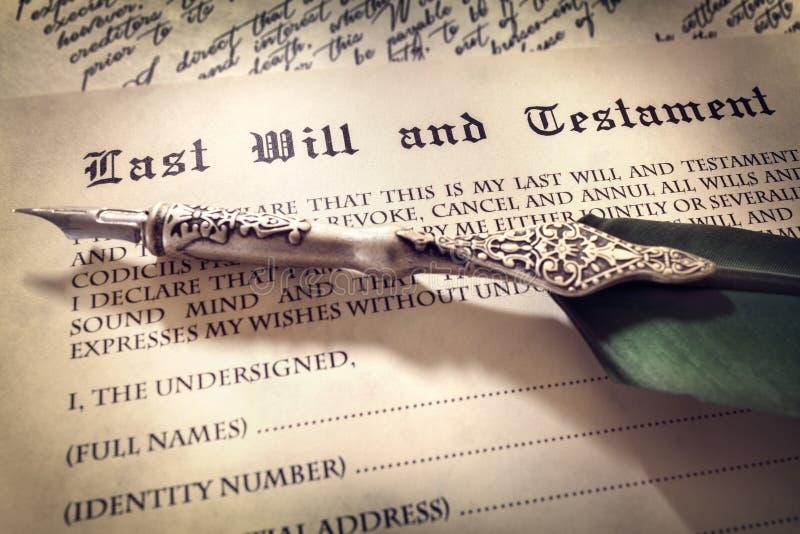 Firma de la última voluntad y el testamento fotografía de archivo